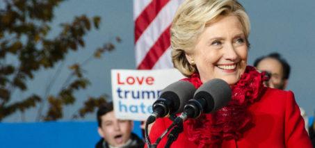 Secretary Clinton speaks to the crowd at a rally in Cincinnati, OH on October 31, 2016. Photo: Scott Gunn Flickr