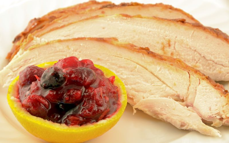 Roast turkey with savory cranberry sauce was on the main menu for second-class passengers. Image: Getty