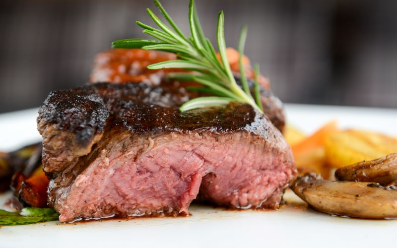 Sirloin steak was on the breakfast menu for first-class passengers on the Titanic. Image: Getty